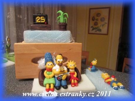 ... - Simpsnovi- komplet připraveni na dort i s televizí a kytkou